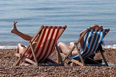 Three-Day Weekends and Free Vacation Money? CEOs Take Job Perks to the Max