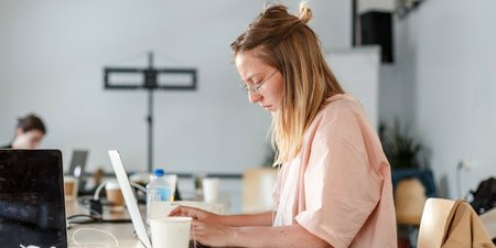 8 High-Paying Work-From-Home Jobs That Don't Require a Bachelor's Degree