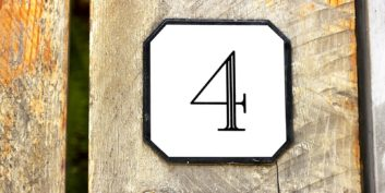 The number 4 for four-day workweeks.