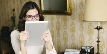 Job seeker reading about flexible jobs in the news