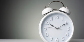 Clock timing for job search prioritization