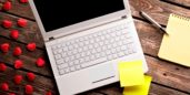 Laptop with notes by it, discovering the impact of flexible work