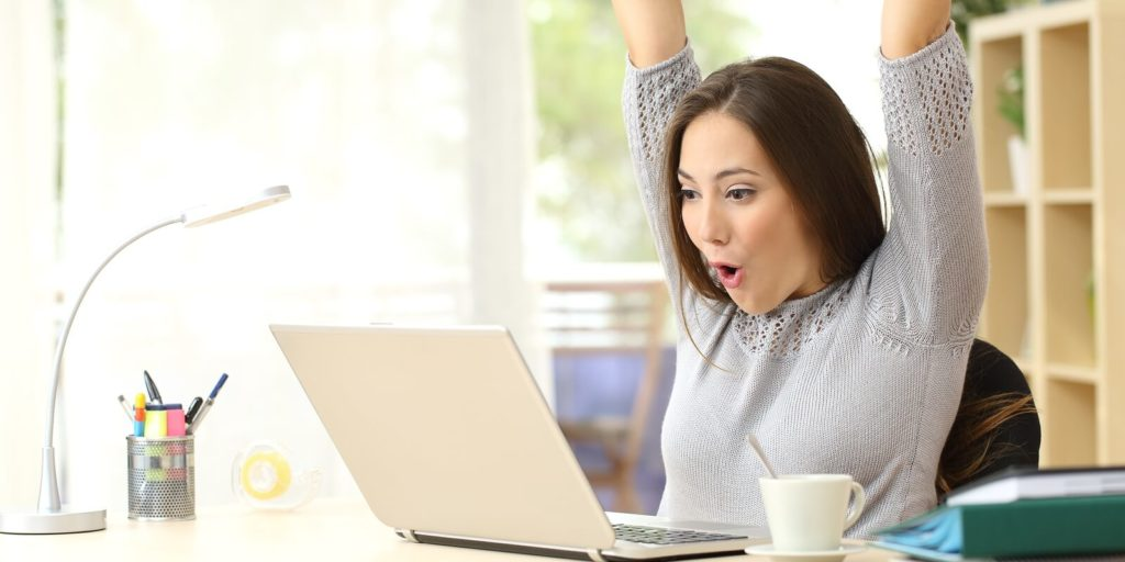Job seeker looking at telecommuting opportunities for military spouses