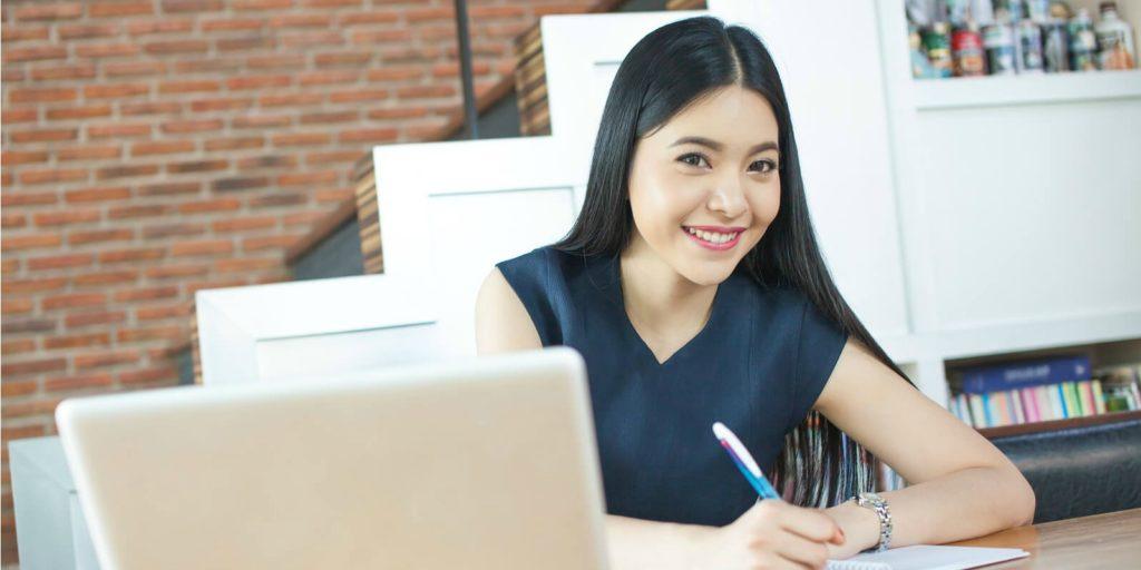Job seeker finding online writing jobs.