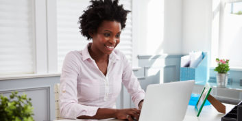 Woman looking for jobs you can do from anywhere for military spouses.