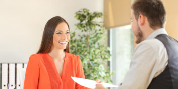 Woman job candidate deciding whether or not to mention kids in an interview