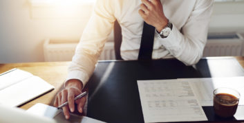 Accountant looking at companies offering part-time accounting jobs.
