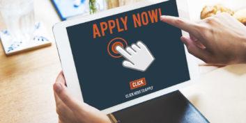 Job seeker applying for jobs online