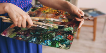 Job seeker who found a remote job to pursue artistic ambitions