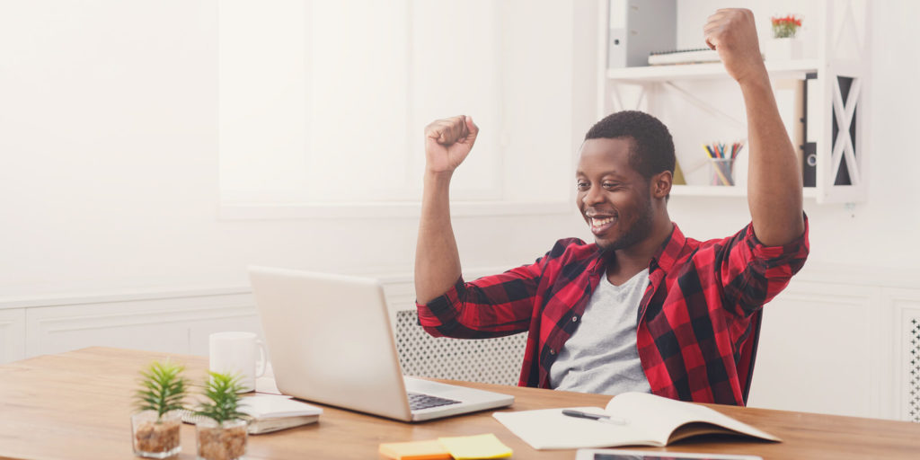 Man learning to attract better clients as a freelancer.