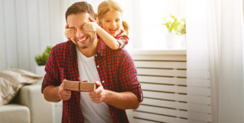Dad in a holiday contest for a flexible job to make your life better