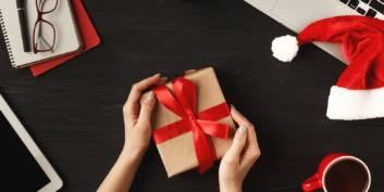 Useful holiday gifts for job seekers