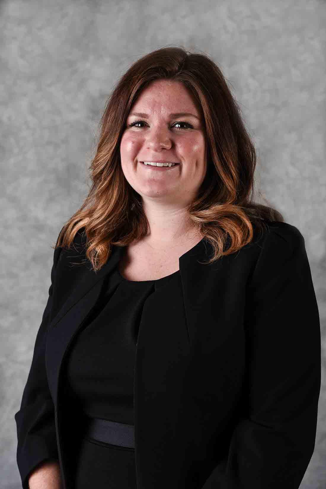 Lauren Roberts : Funeral Director