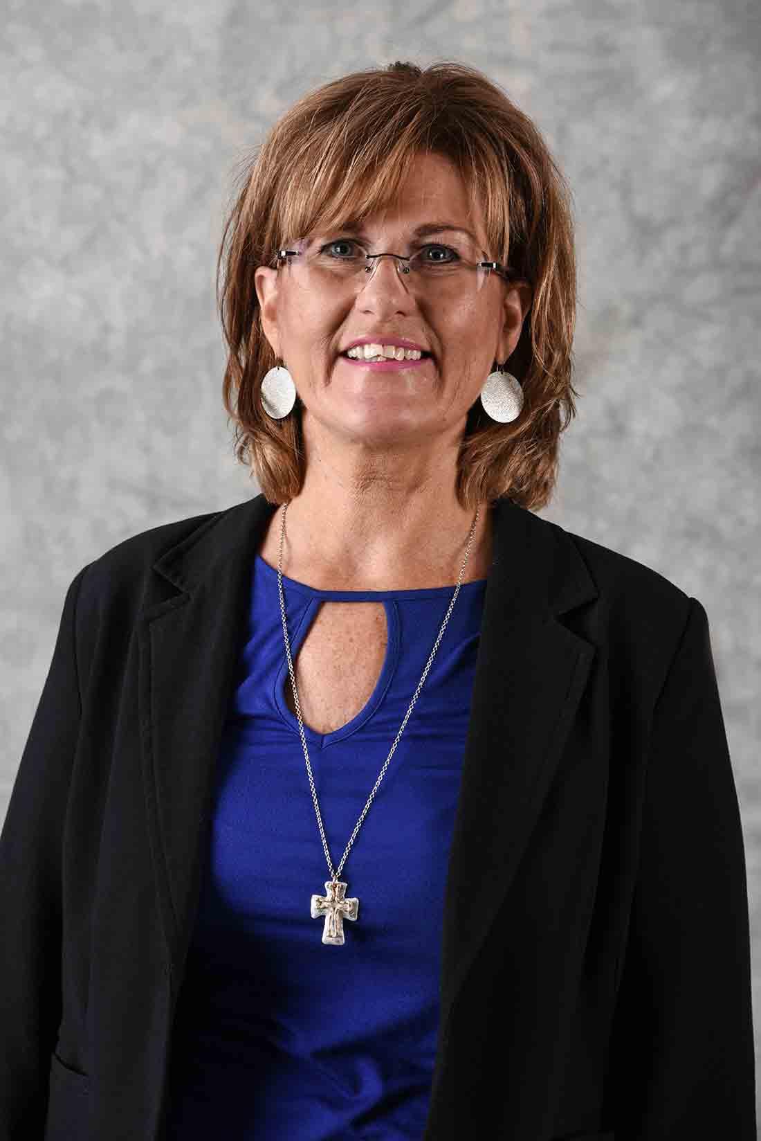 Pamela Gunn : Family Service Advisor