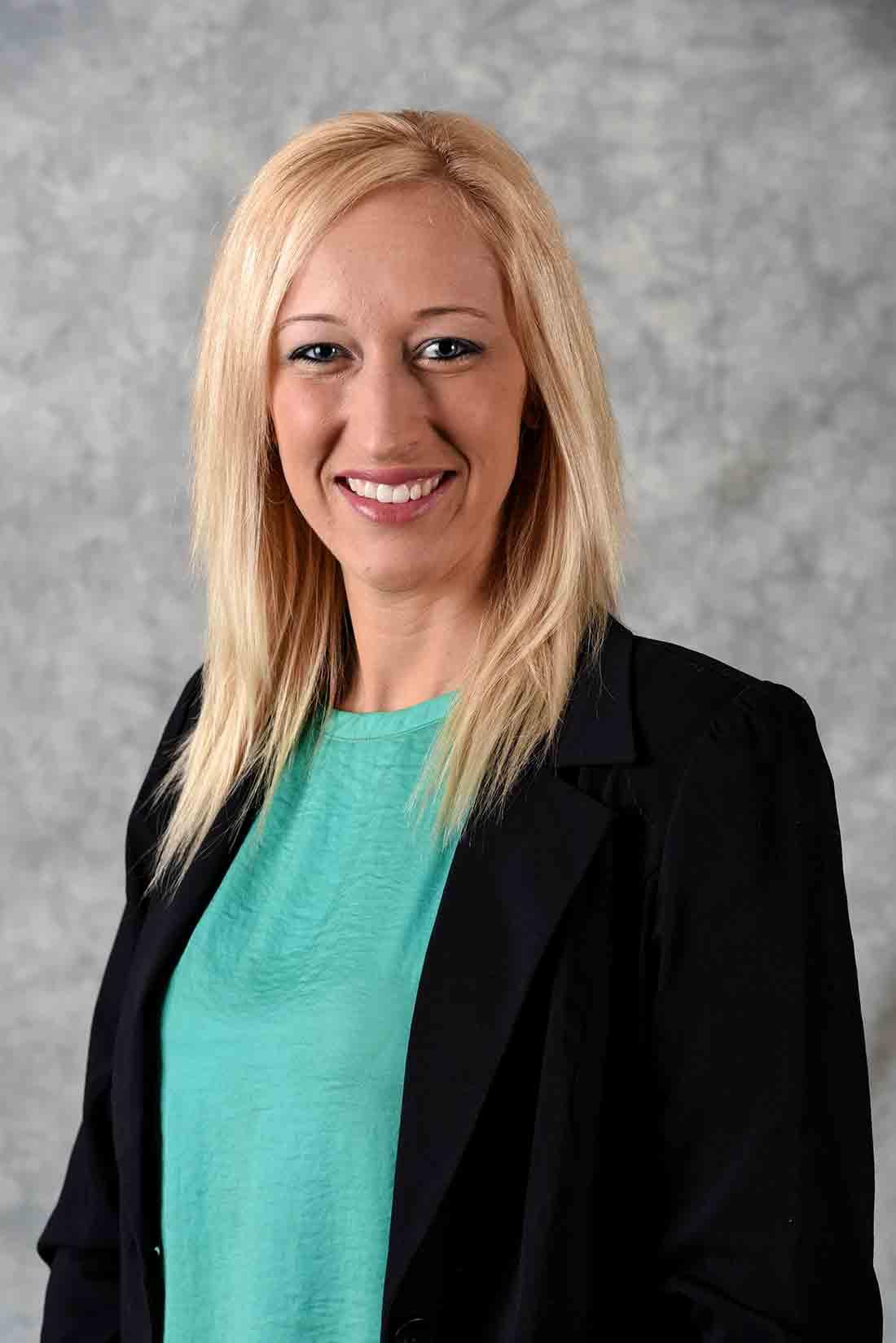 April Holten : Family Service Advisor