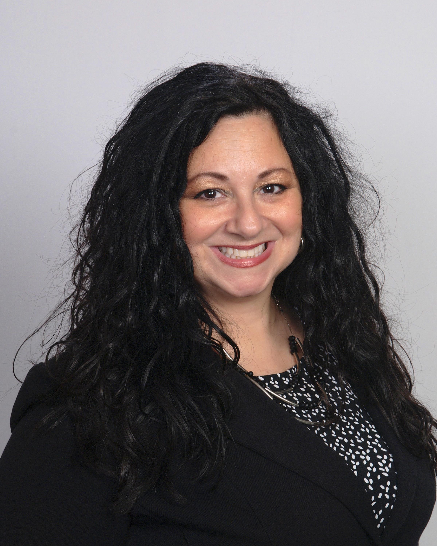 Leslie Buck, Family Service Advisor