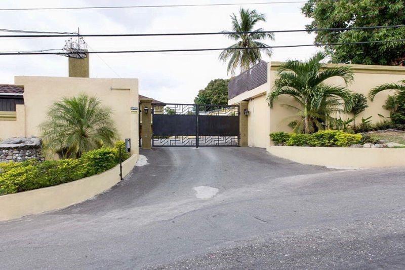 1 Kingston Luxury Condo, 227, FL