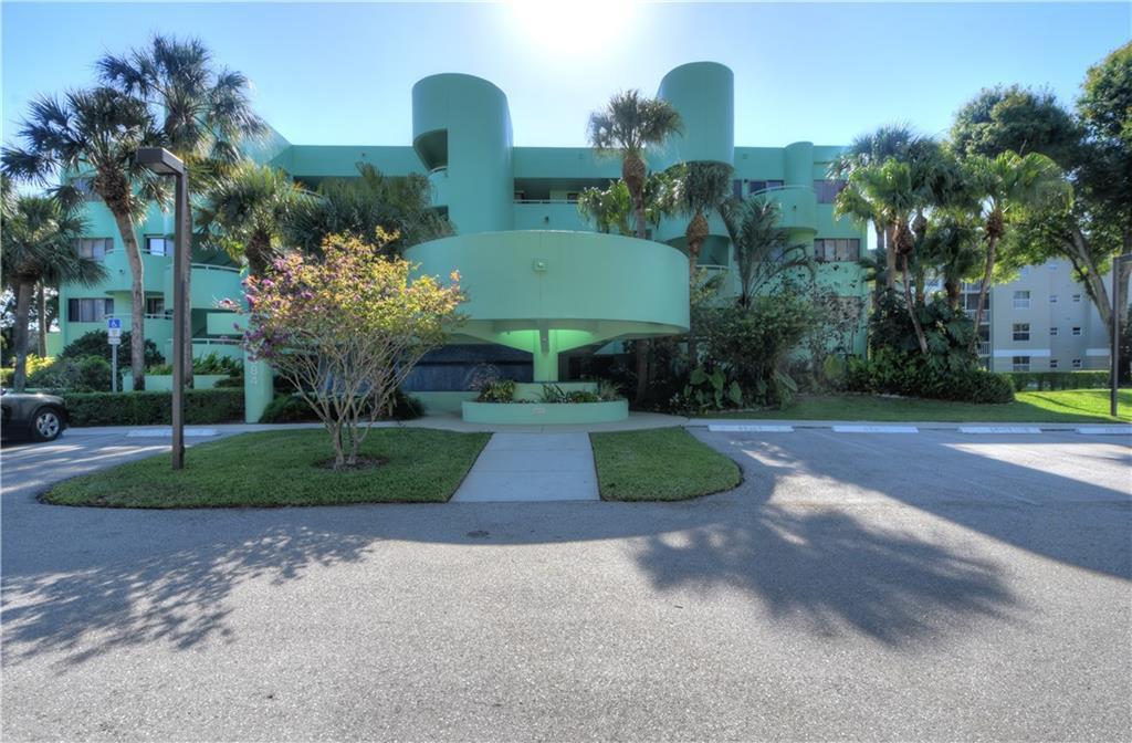 5884 Morningstar Circle, 301, Delray Beach, FL 33484