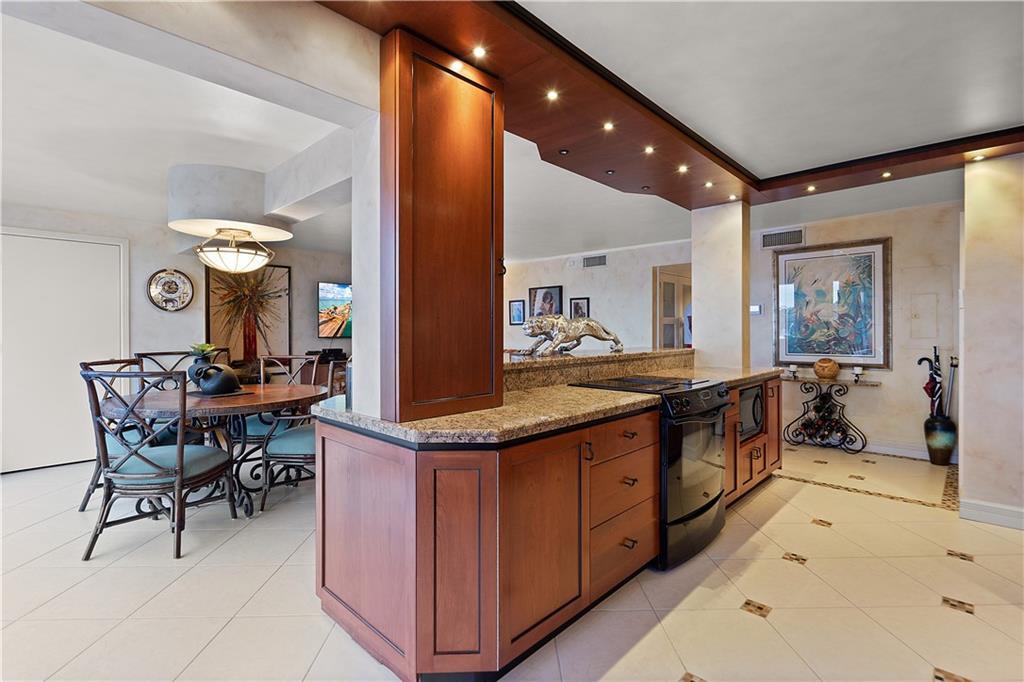 3200 N Ocean Drive, 102, Hollywood, FL 33019