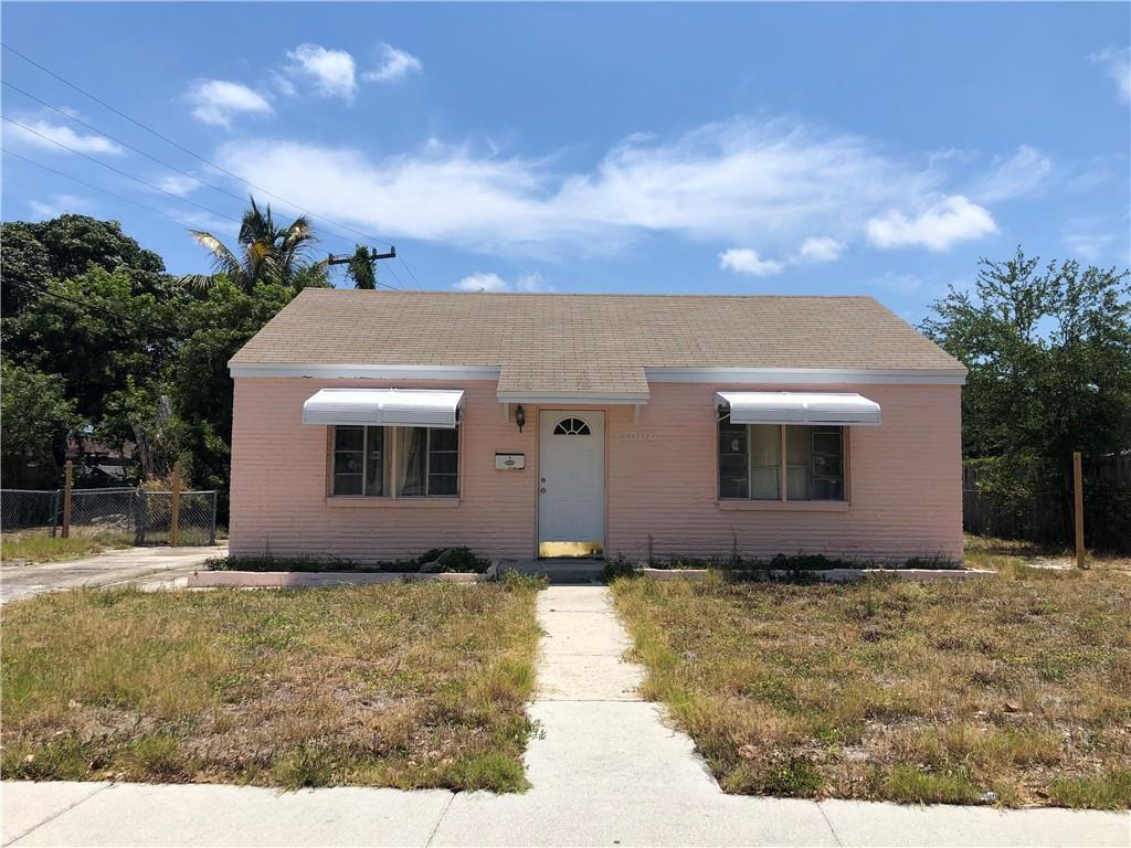 5006 Pinewood Avenue, West Palm Beach, FL 33407