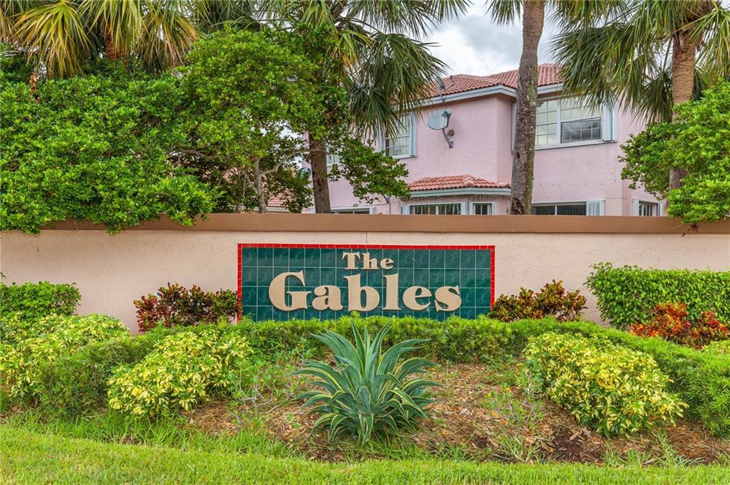 2 Gables Boulevard, Weston, FL 33326