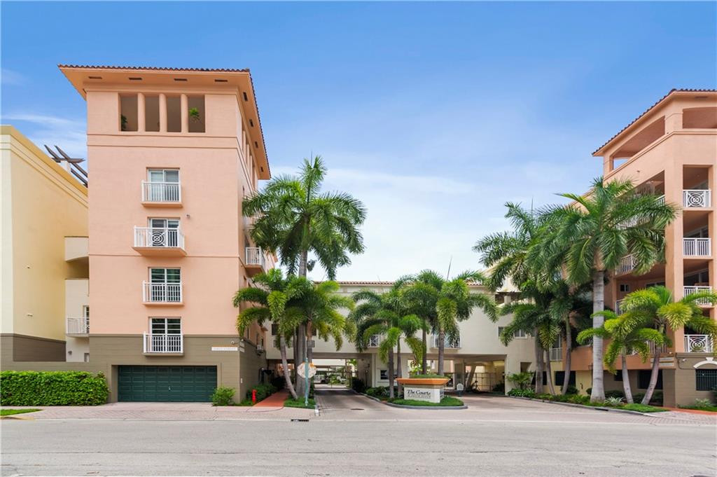 One of Kind Corner Townhome with 2-Car Garage! Largest Courts at South Beach Unit at 2,792 Total Sq. Ft!