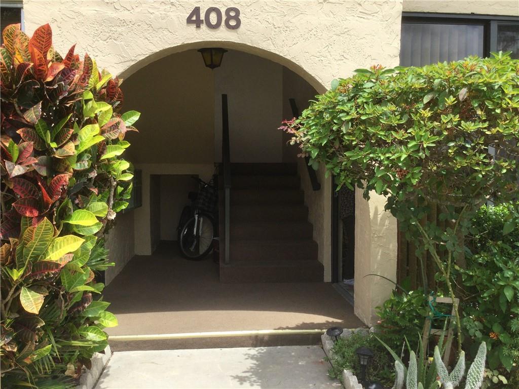 408 Pine Glen Lane, D-1, Greenacres, FL 33463