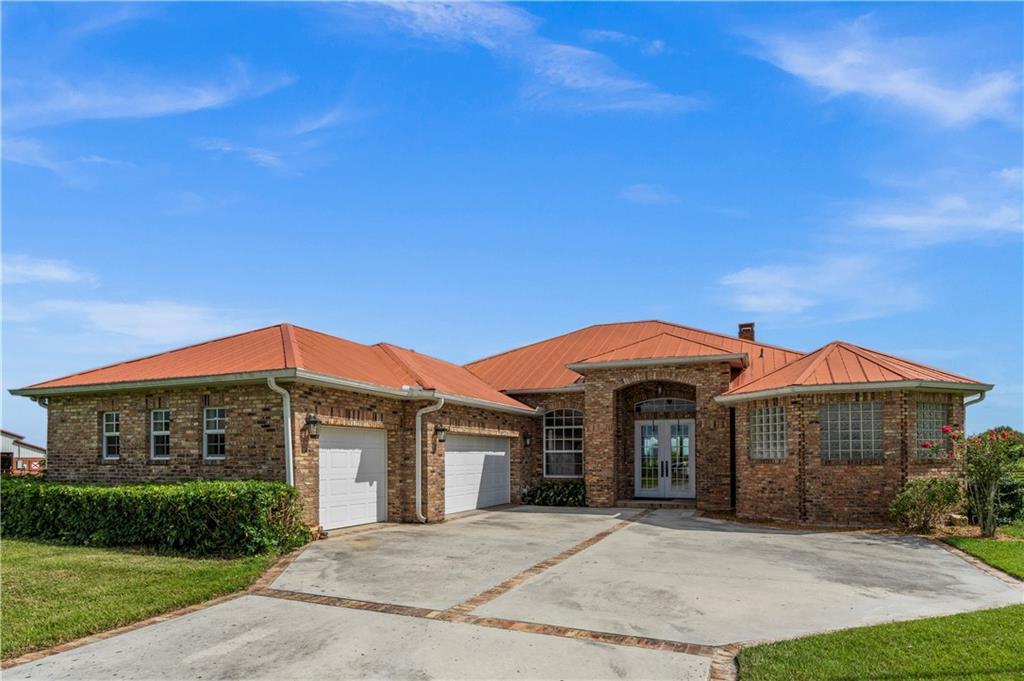 1020 Sneed Road, Fort Pierce, FL 34945