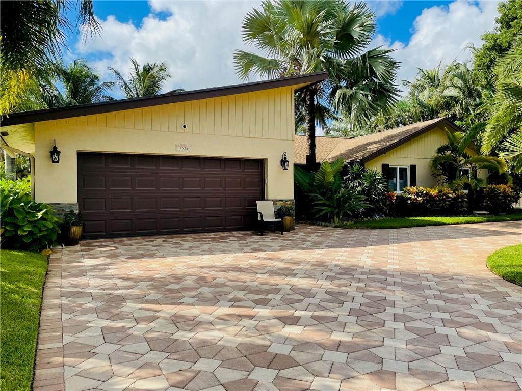 3524 Lakeview Drive, Delray Beach, FL 33445