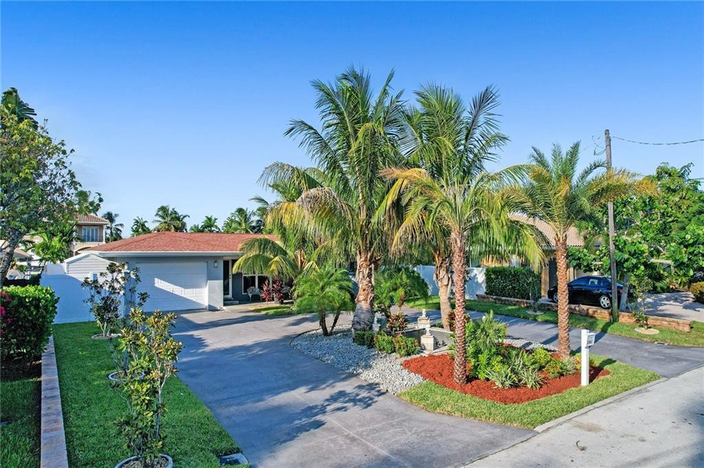 2461 SE 12th Street, Pompano Beach, FL 33062