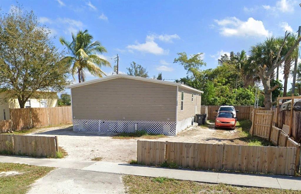 1686 Drexel Road, West Palm Beach, FL 33417