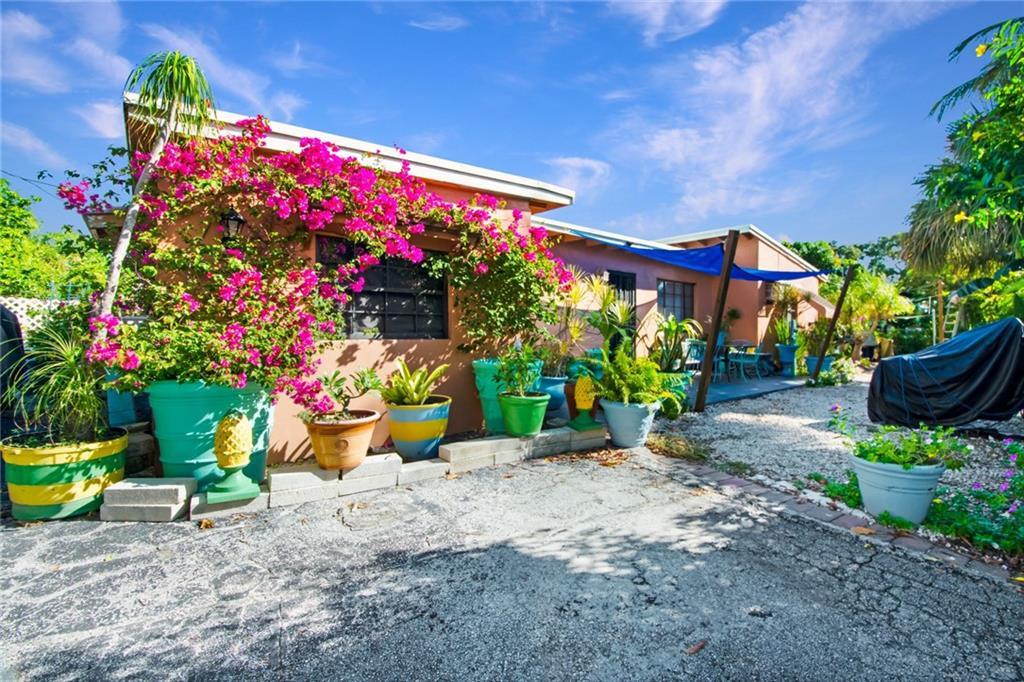 199 NW 8th Street, Boca Raton, FL 33432