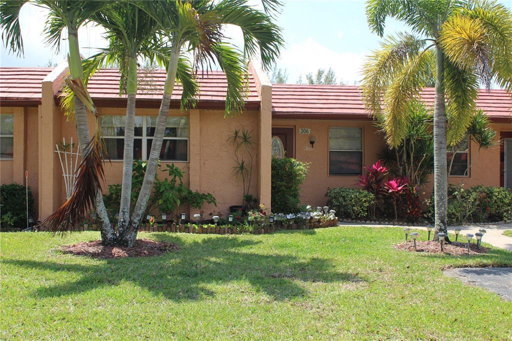 306 Lake Helen Drive, 306, West Palm Beach, FL 33411