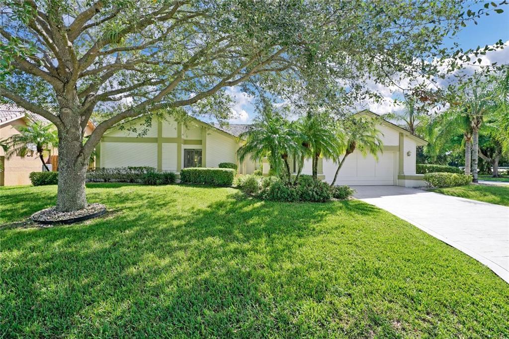 641 NW 107th Lane, Coral Springs, FL 33071