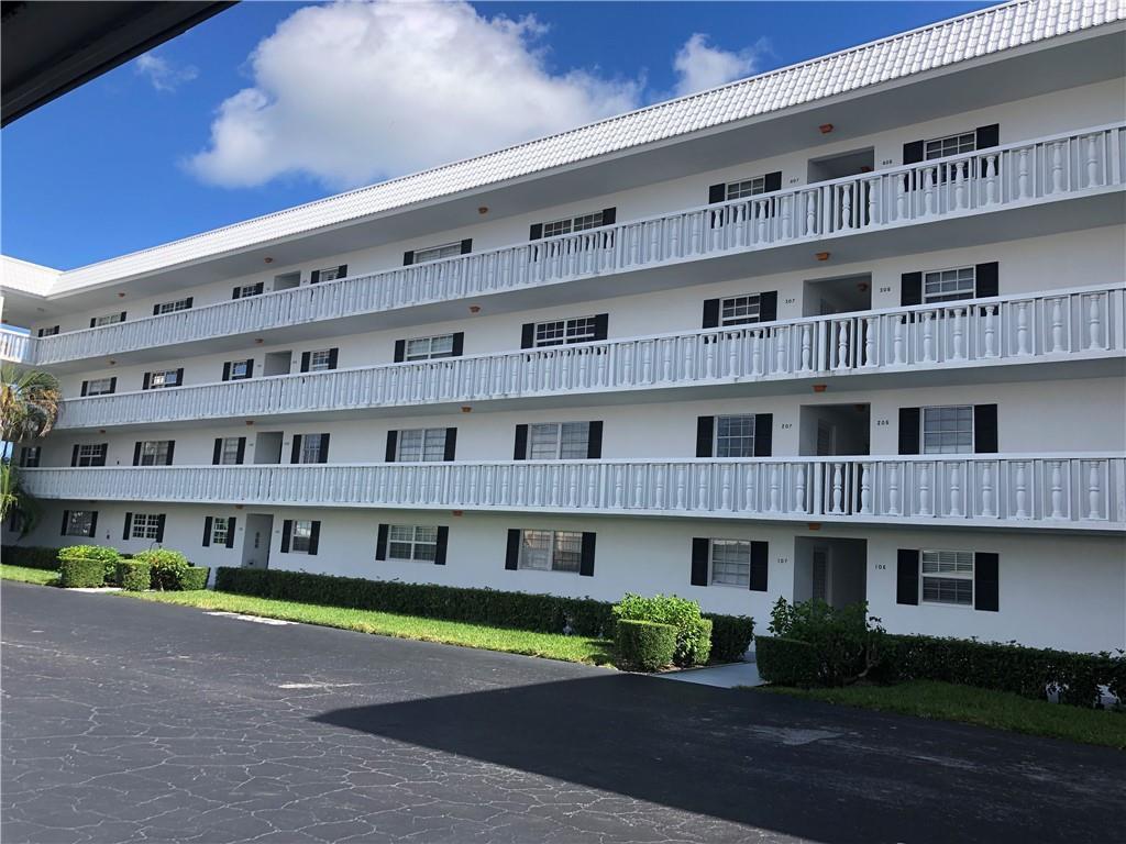 907 Marina Drive, 106, North Palm Beach, FL 33408