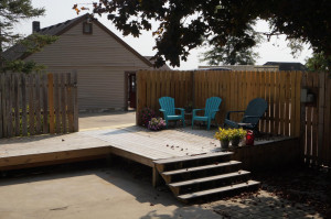 Additional deck area with hot tub hookup available
