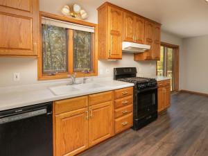 2074 Valley View Ln NE-015-015-Kitchen-MLS_Size