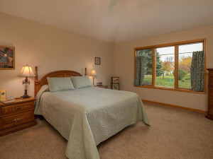 2905 7th Ave SW Austin MN-023-022-Master Bedroom-MLS_Size