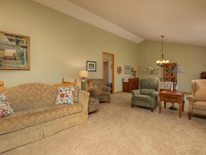 2905 7th Ave SW Austin MN-009-006-Living Room-MLS_Size