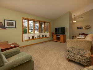 2905 7th Ave SW Austin MN-006-005-Living Room-MLS_Size