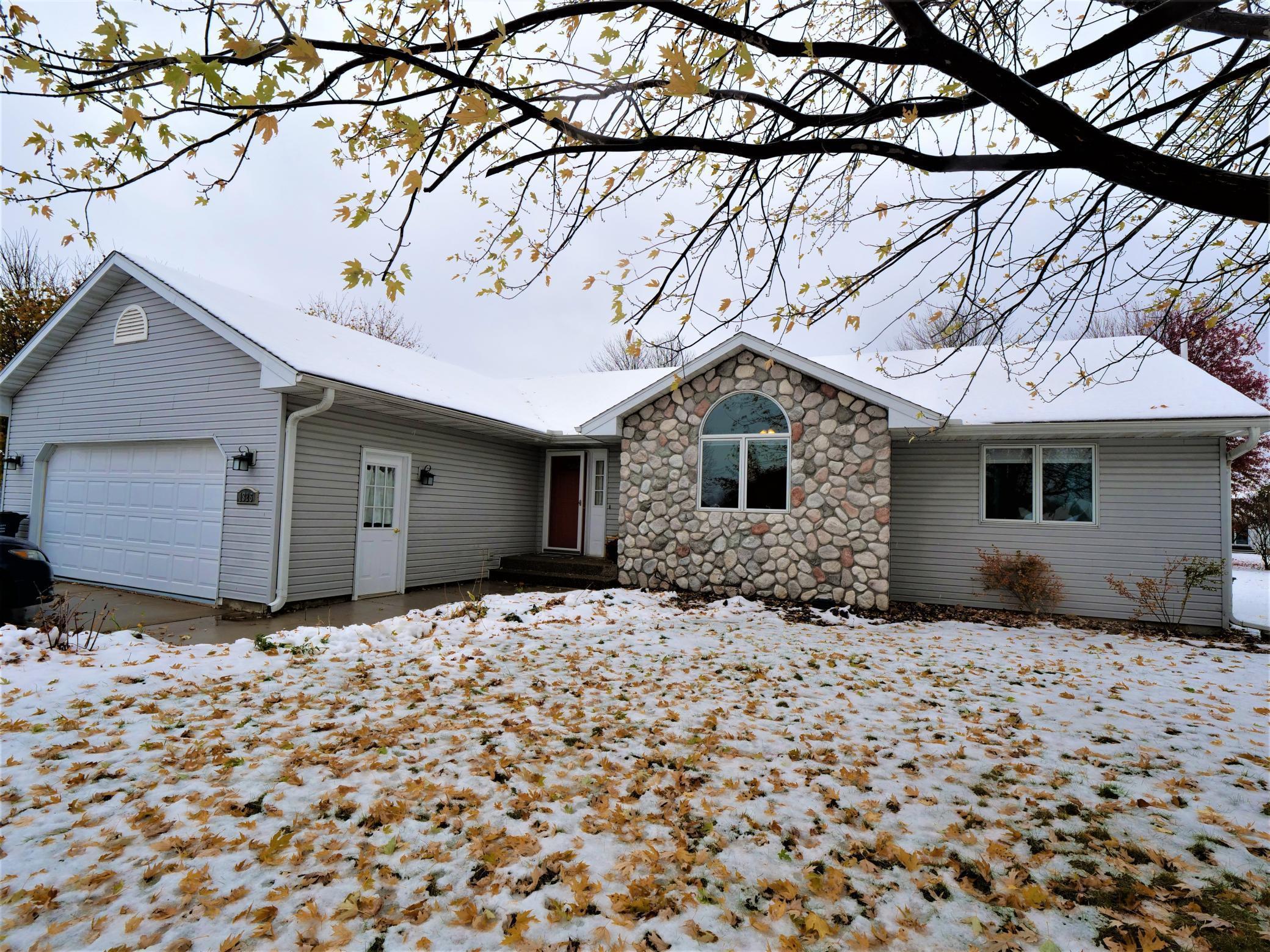 1326 N Garden Street, Lake City, MN 55041