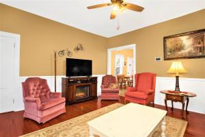 305 Coffee Street E, Lanesboro, MN 55949