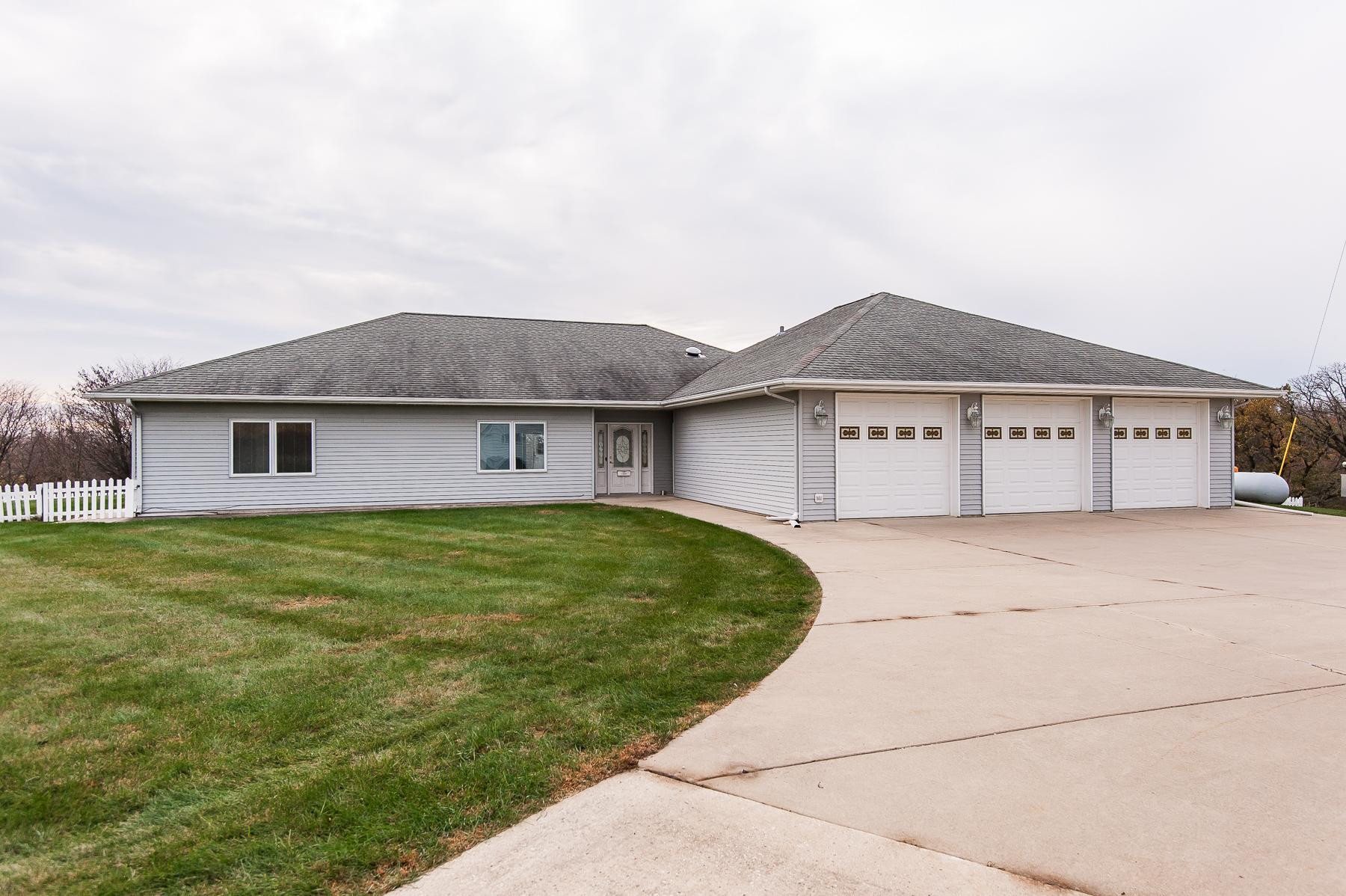 9030 150th Avenue SE, Chatfield, MN 55923