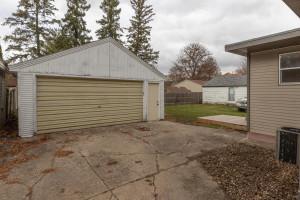 806 1st Ave NW Austin MN 55912-large-025-016-Garage-1500x1000-72dpi