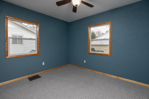 806 1st Ave NW Austin MN 55912-large-018-029-Bedroom 2-1500x1000-72dpi