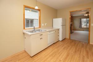 806 1st Ave NW Austin MN 55912-large-009-007-Kitchen-1500x1000-72dpi
