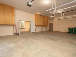 5199 Meadow Crossing Rd SW-042-030-Heated garage-MLS_Size