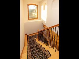 5199 Meadow Crossing Rd SW-047-028-Stairway-MLS_Size