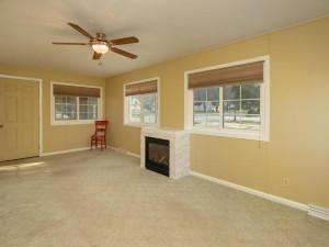 609 Parkway Ave S Lanesboro MN-006-007-Living Room-MLS_Size