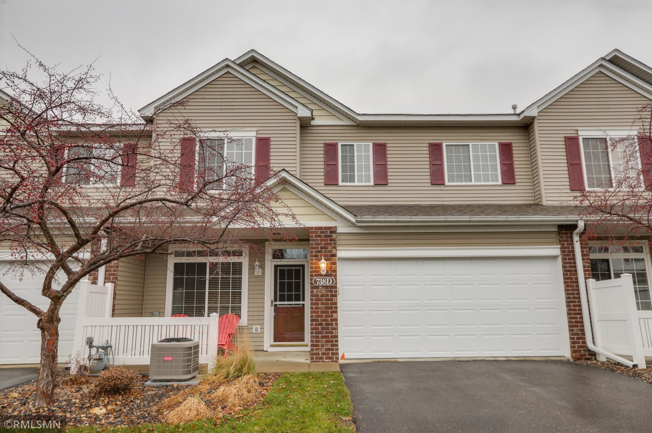 738 Maple Hills Drive, Maplewood, MN 55117